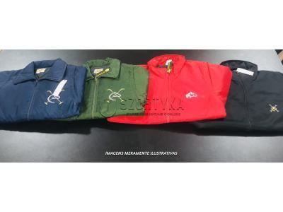 24 jaquetas de nylon, cores e tamanhos variadas.